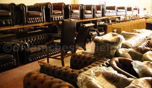 Divano chester poltrona chesterfield milano roma vintage for Divani usati milano
