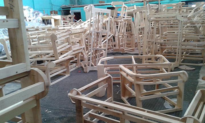 Fabbrica divani chester su misura nuovi made in england - Fabbrica di mobili in romania ...