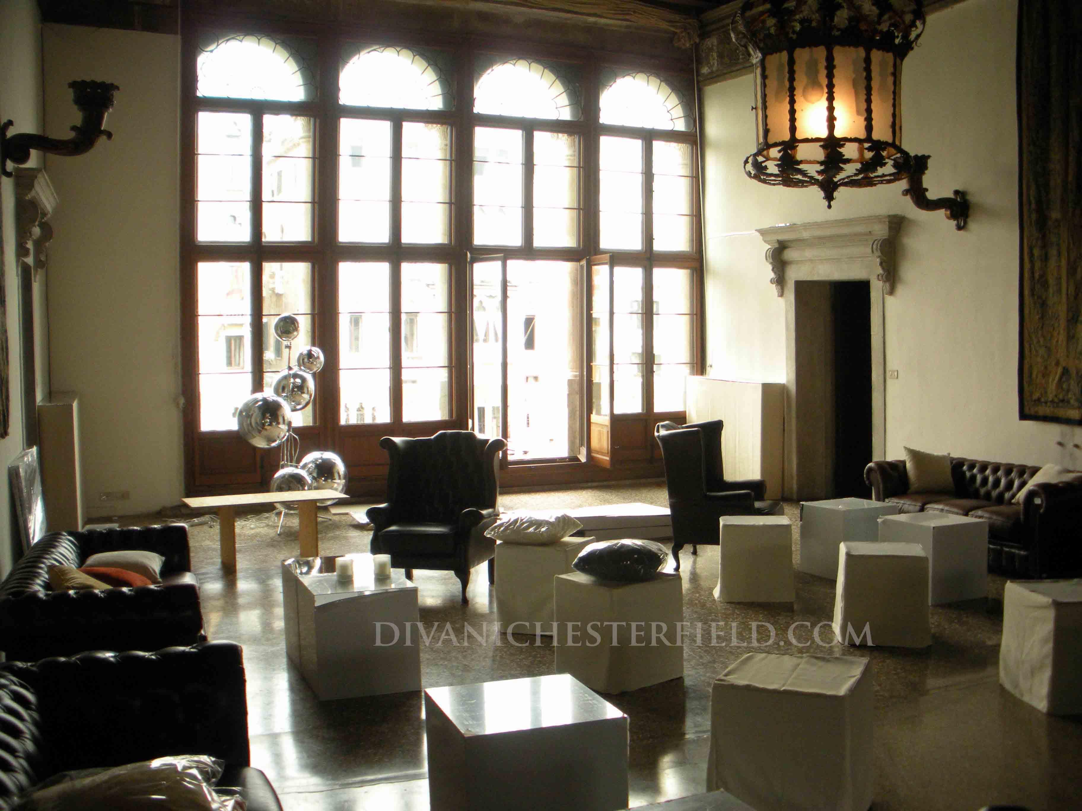 Noleggio divani chesterfield affitto poltrone chester in pelle per